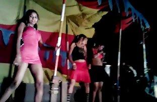 गर्म मोहक बेब सेक्सी वीडियो हिंदी फिल्म फुल एचडी कैम पर दिखाने के लिए प्यार करता है